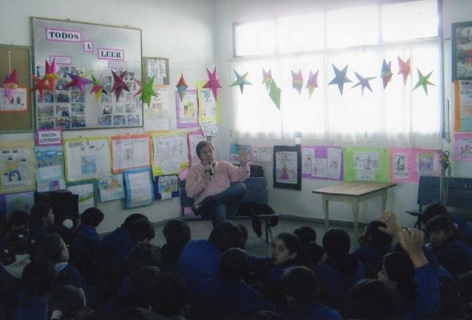 Presentación de El cuaderno escondido en la Escuela Manuel Belgrano de San Antonio de Areco 01